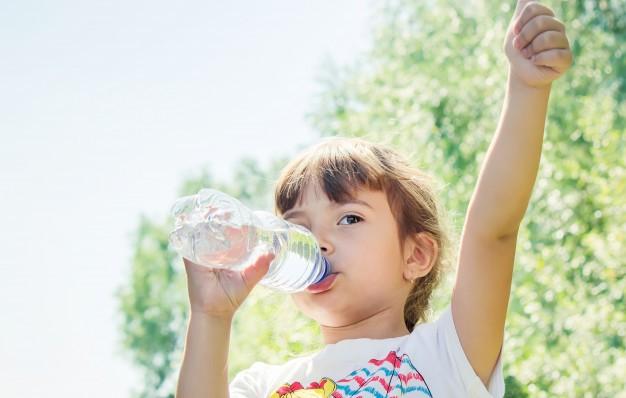 دلیل مهم برای هیدراته نگه داشتن بدن کودکان