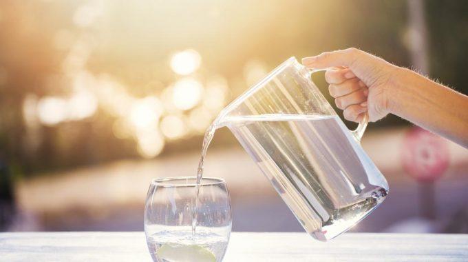 12 مزایای آب آشامیدنی