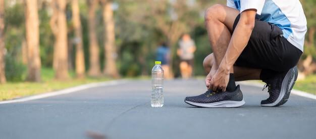 آیا آب می تواند به کاهش وزن کمک کند؟